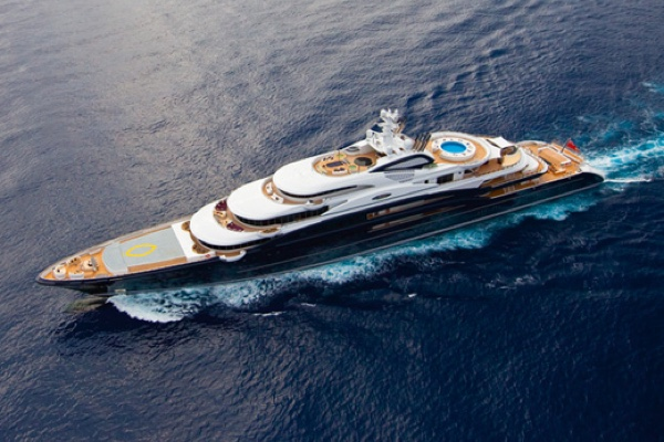 Yacht around the world